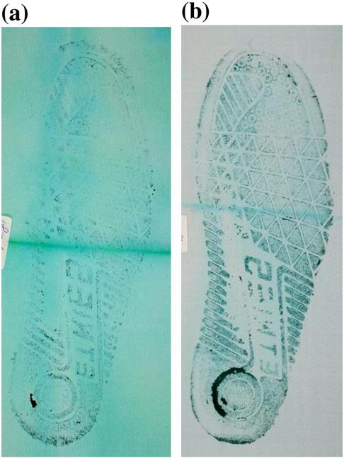 Amélioration de la trace de sang avec de l'Acid Blue 1 (bleu patenté) : a) sur du coton blanc b) sur du lycra/nylon blanc